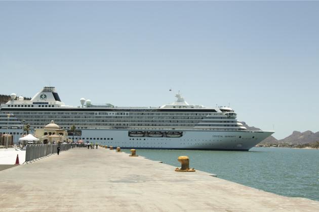 Arribo del Crystal Serenity a la Terminal de Cruceros del Puerto de Guaymas el pasado mes de mayo de 2017 - Foto: Enrique Yescas Enríquez. © ® Editorial Imágenes de Sonora